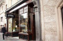 Travel Zoo – For £42, you and a friend can enjoy a chateaubriand meal in the West End at Rowley's